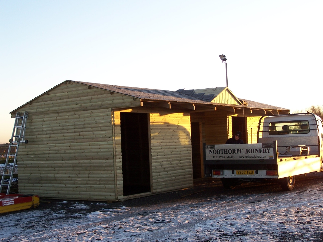 Double Stable With Tackroom